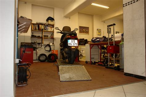 Motorrad Center Berlin by Franks Motorrad Center Berlin Tempelhof Inhaber Frank