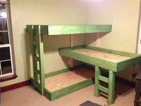 three bed bunk bed 3 tier bunk beds i can make these pinterest chang e 3 beds and bunk bed