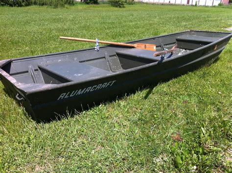 flat bottom boat pictures alumacraft 14 foot flat bottom boat with oars auction
