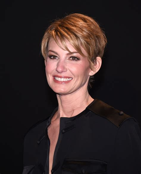 Faith Hill Casual Medium Straight Hairstyle   Short
