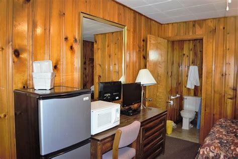 anchor motel and cottages bedroom picture of anchor motel and cottages geneva on