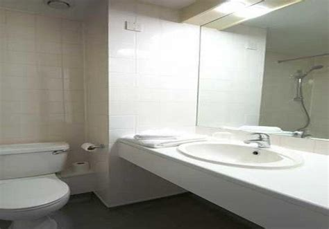 waterside bathrooms h 244 tel travelodge bath waterside bath les meilleures