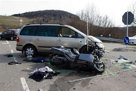 Motorrad Suzuki Winnenden by T 246 Dlicher Verkehrsunfall Winnenden L1040 Ks Images De