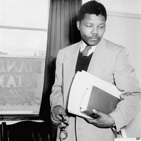 nelson mandela biography middle school nelson mandela his life in pictures cbbc newsround