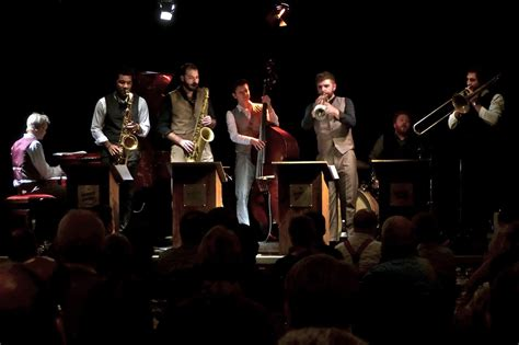 the swing band the huggee swing band