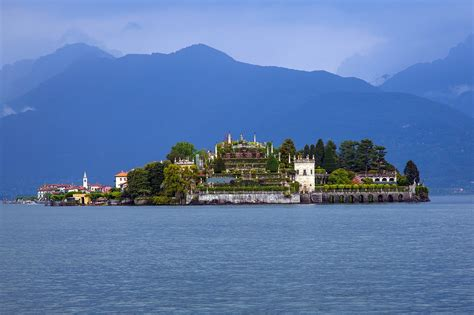 lago maggiore the italian lake district italian lakes guide travel to