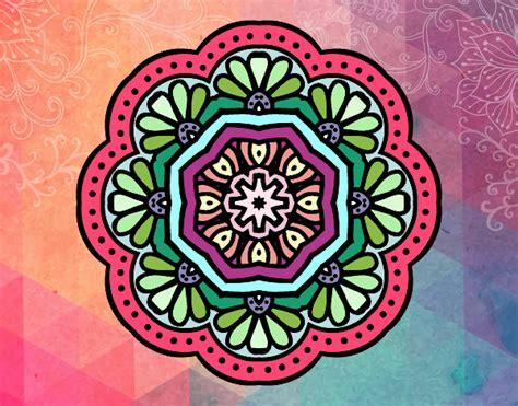 imagenes de mandalas coloridas dibujo de la mandala colorida de los triangulos pintado