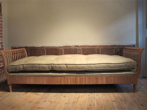 fine  cent bleached walnut upholstered daybed