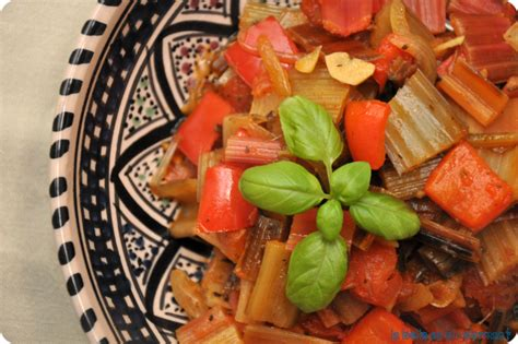 cuisiner le vert des blettes c 244 tes de blettes comme une ratatouille la au bl 233
