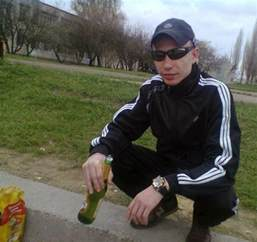 awkward gallery of squatting russians