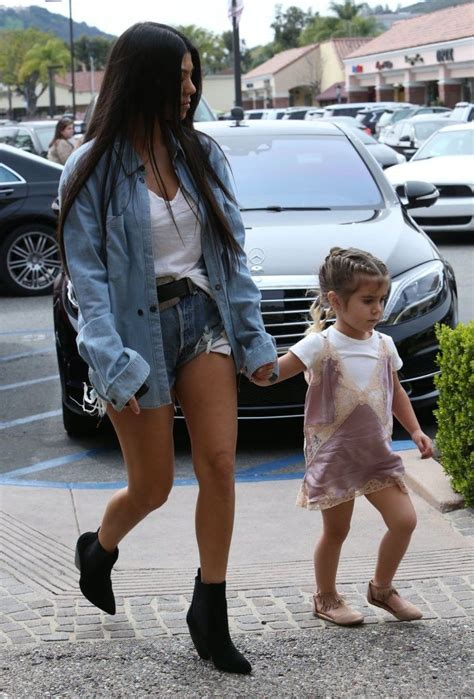 kim kardashian baby fashion best 20 kourtney kardashian ideas on pinterest