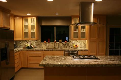 light maple kitchen cabinets maple cabinets with granite white granite with maple cabinets granite but i