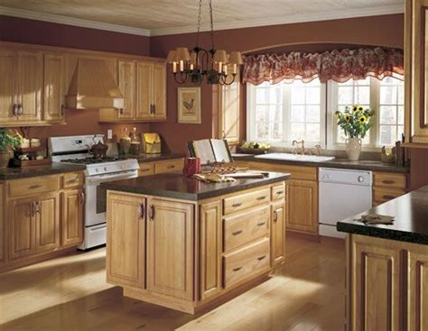 Kitchen Facelift Ideas by Best 25 Brown Walls Kitchen Ideas On Pinterest Brown