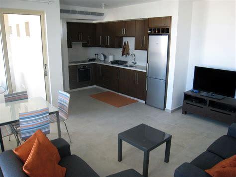 bedroom apartment  rent  aradippou flat rent larnaca