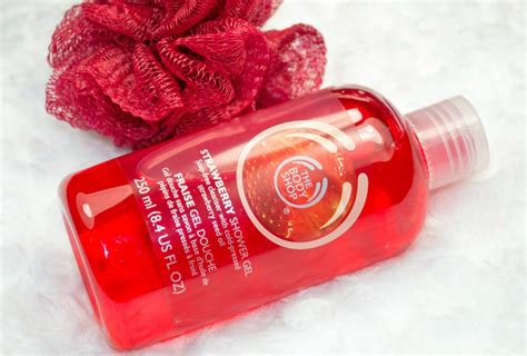 A Shop Shower Gel Scrub By Yesnow 2 the shop strawberry festive picks gift set miss makeup magpie