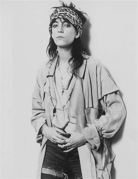 patti smith hairstyle get the patti smith punk look vogue