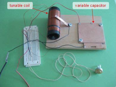 how do you make a variable capacitor radios