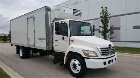 Box Truk Freezer hino 268a refrigerated truck 22ft reefer with r freezer unit 2006 box trucks