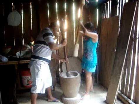 cafe si o no limpando arroz no pilao