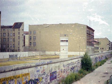 Berlin Wall Essay by Essay Topics On The Berlin Wall Editpaper Web Fc2