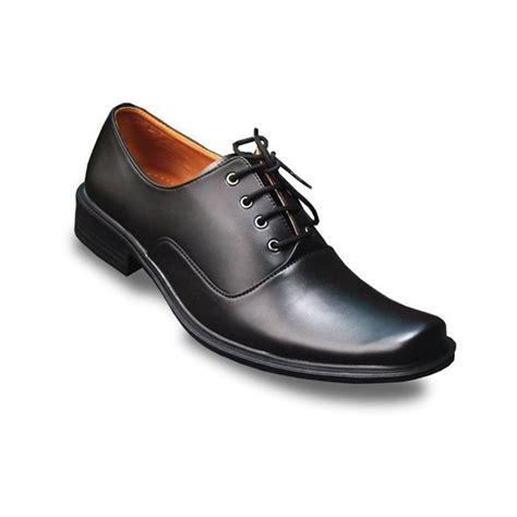 Sepatu Boot Clarks Hitam s decka tk016 sepatu formal pria hitam elevenia