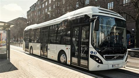 breakthrough order   volvo hybrid buses  singapore volvo buses