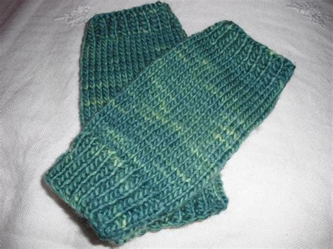 Free Pattern Easy Knit Fingerless Gloves | easy peasy fingerless mitts by agrarianartisan craftsy