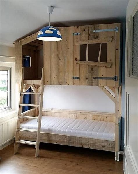 house bunk bed best 25 pallet bunk beds ideas on pinterest