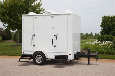 bathroom trailers rent 10ft luxury restroom trailer minnesota