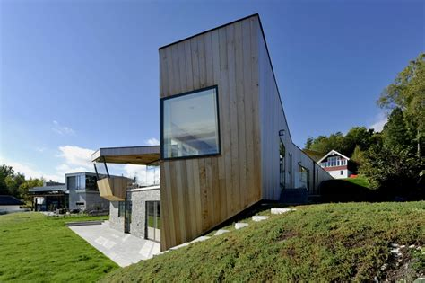 split house partly house with unobstructed sea views in