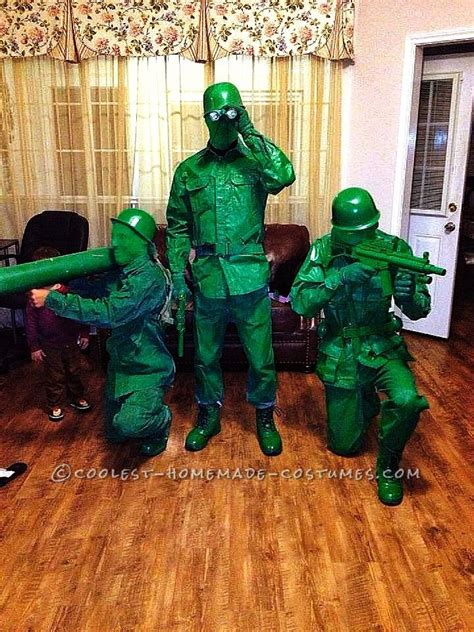 green plastic army toy soldier group halloween costume