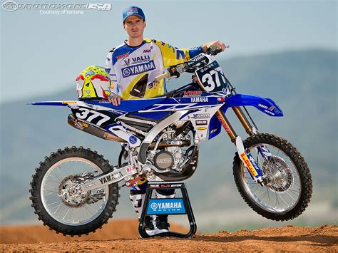 Yamaha & Valli Bring Pourcel to 2014 Motocross