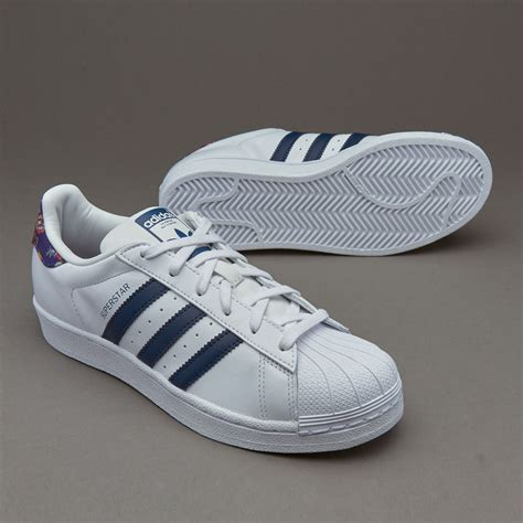 Sepatu Merk Adidas sepatu sneakers adidas originals womens superstar ftwr white