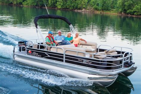 sun tracker pontoon boat reviews check out these hot sun tracker pontoon boat reviews