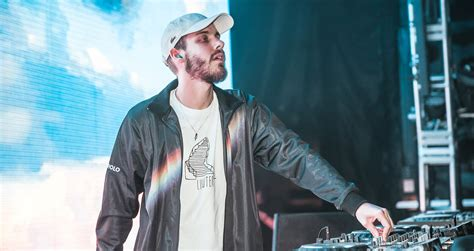 san holo right here right now san holo shares quot right here right now quot featuring taska black