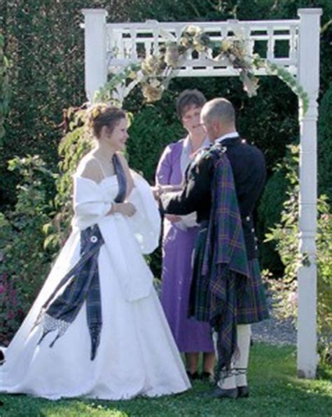 Wedding Attire In Ireland by Wedding Traditions Around The World Cathy