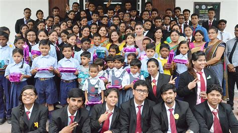Srms Lucknow Mba Fees by Top Business School In Lucknow Srms Ibs Best Pgdm