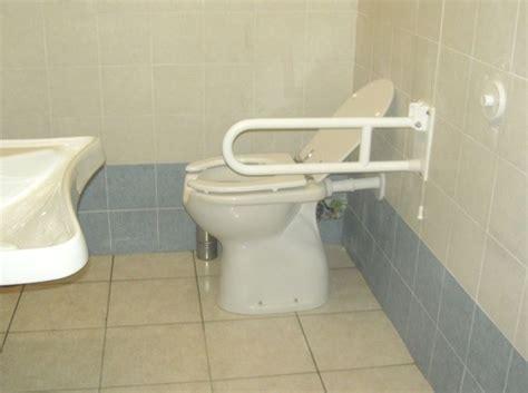 maniglione bagno disabili realizzare un bagno per disabili il bagno realizzare