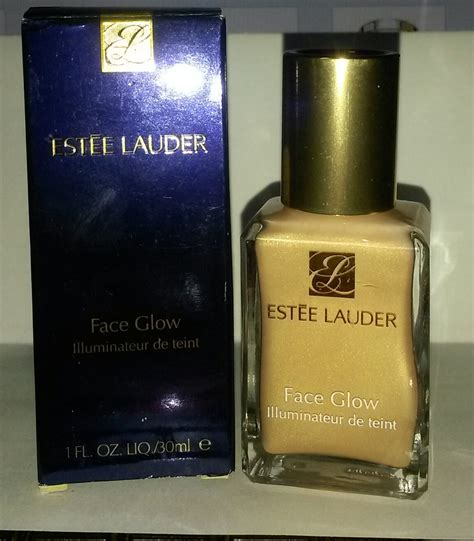 Estee Lauder Detox And Glow Set by Estee Lauder Liquid Glow In Gold Luxe Strobing