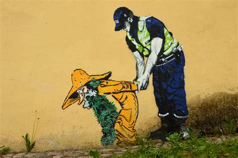 Printable Wall Murals file graffiti in tartu 03 jpg wikimedia commons