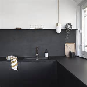 Black Backsplash In Kitchen Kitchen Upgrade The Low Cost Diy Black Backsplash