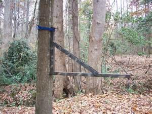 Tree Mounted Deer Feeder Tip Hang Em High Big Hunt