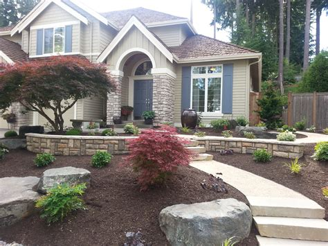 Planter Ideas For Front Of House by Exterior Wonderful Landscaping Ideas For Front Of House