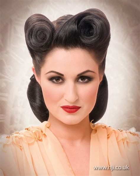Fashioned Pin Up Hairstyles by Vintage Victory Rolls Divas And Pinups