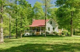 leipers fork homes for a farmhouse in leipers fork tennessee hooked on houses