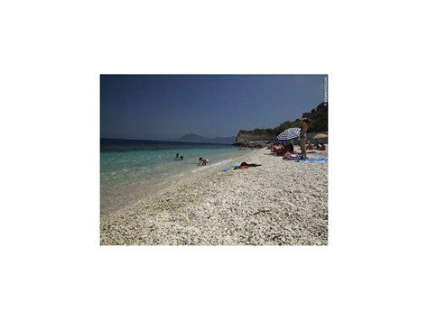 spiaggia delle ghiaie isola elba le ghiaie in portoferraio elba island