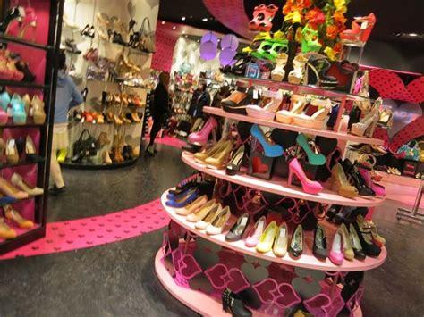 high heels stores shibuya 109 gyaru department store in tokyo see photos