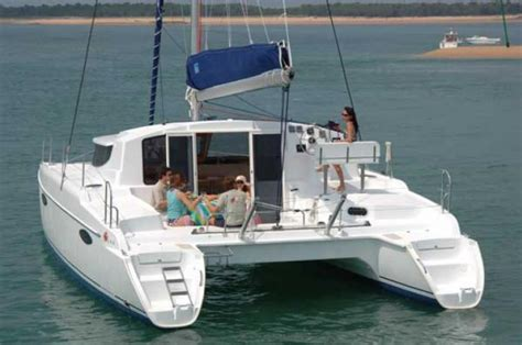 catamaran cycloné a vendre mahe 36 charter bareboat catamaran