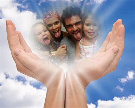 Fotomontaje En Las Manos De Dios | difuntos fotomontajes gratis online faciles divertidos