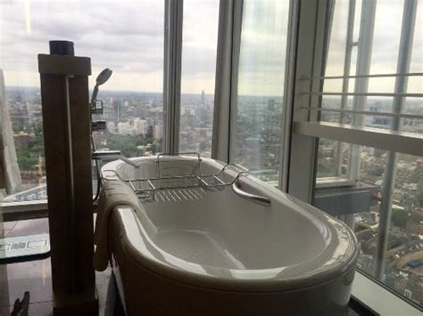 the bathtub louisiana mini bar picture of shangri la hotel at the shard